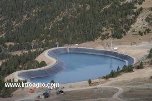 Se vende balsas y canales de riego estanques purines m laga for Vendo estanque agua